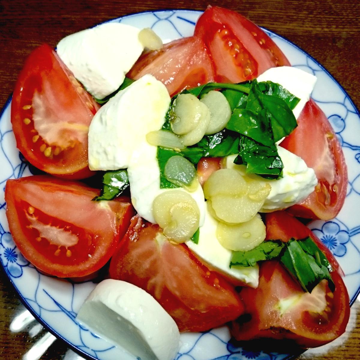 トマトモッツアレラバジル
